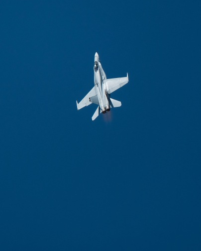 F18 at the Melbourne Grand Prix. Couldn't get close enough to get really decent photos so the 100-400 didn't help too much.