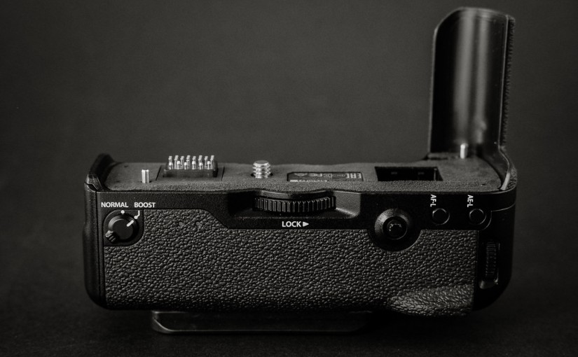 Fuji XT-2 Battery Grip Review (VPB-XT2)